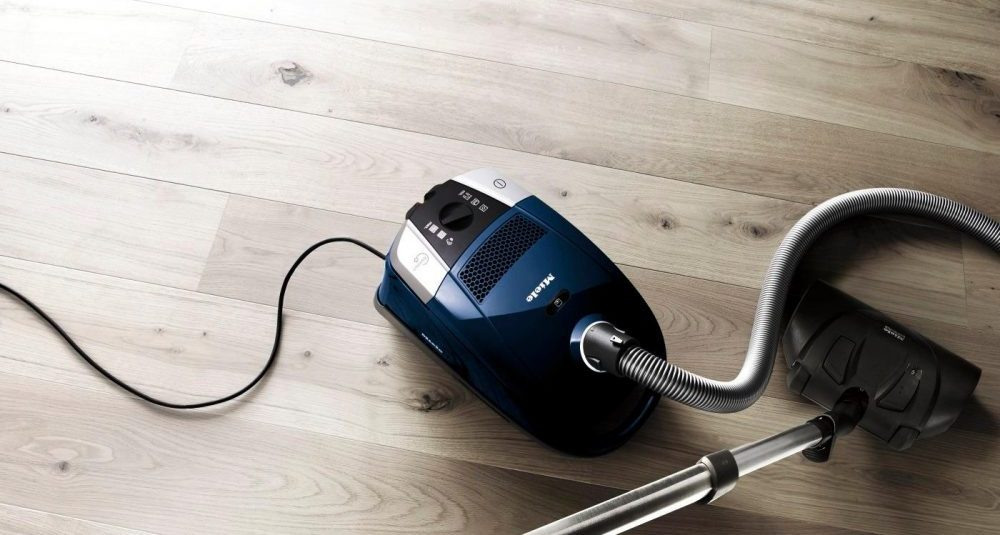 Miele Compact C2 Electro+ canister vacuum cleaner